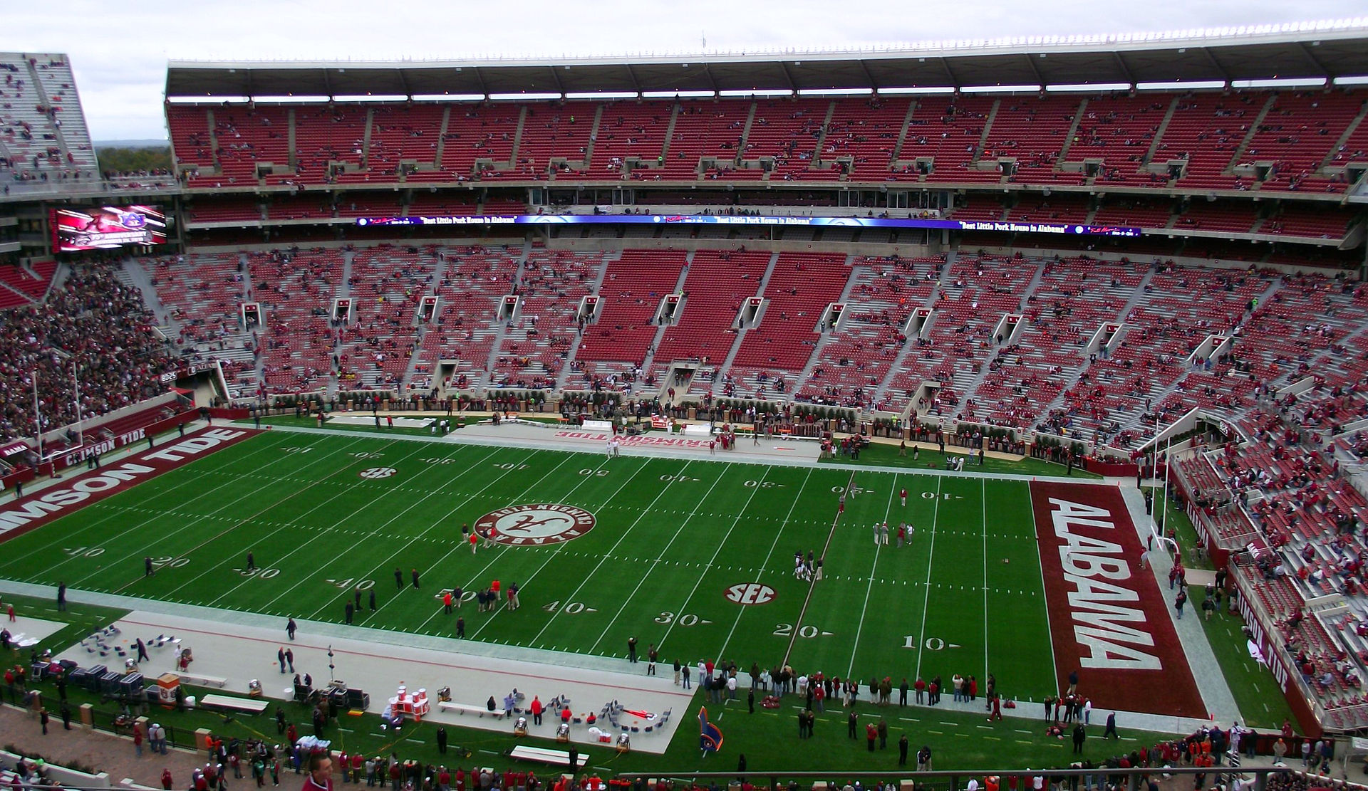 Alabama looks to knock off #1 Mississippi State in this week's biggest game.